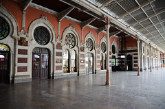 Sirkeci train station (Yavuz Alper) Tags: station train tren 1750 ottoman f28 gar 17mm sirkeci osmanl istasyonu ottomanstyle
