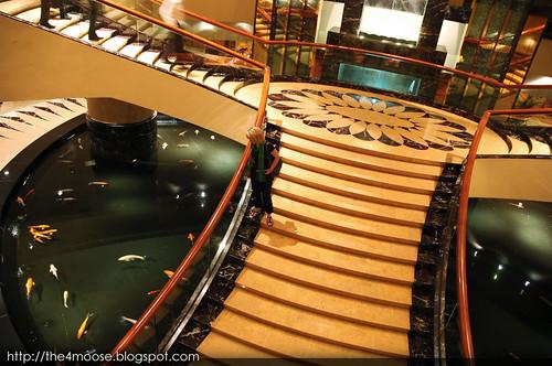 Fullerton Hotel - Grand Staircase