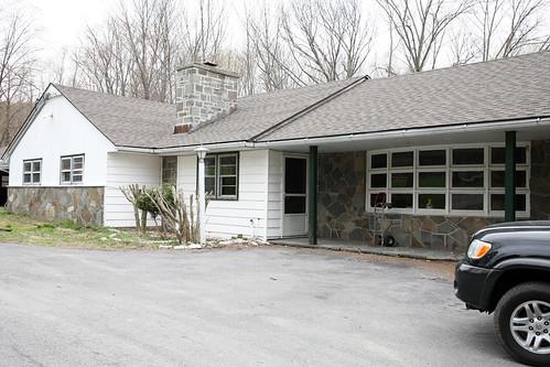 074 Entrance House 36