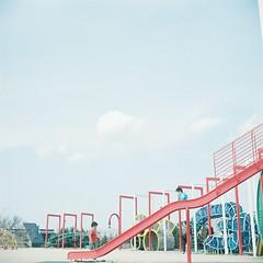 Fureai Park #2 (_kaochan) Tags: fujipro400h rolleiflexautomat