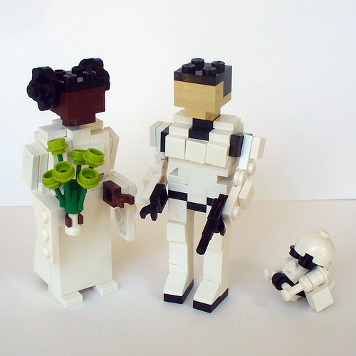 Leia and Stormtrooper Wedding Cake Topper 1