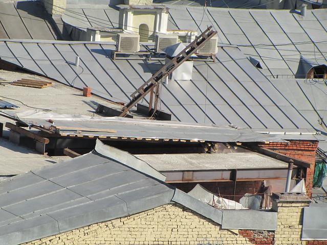Никитская, дом 31. Выбивка кладки для мансарды