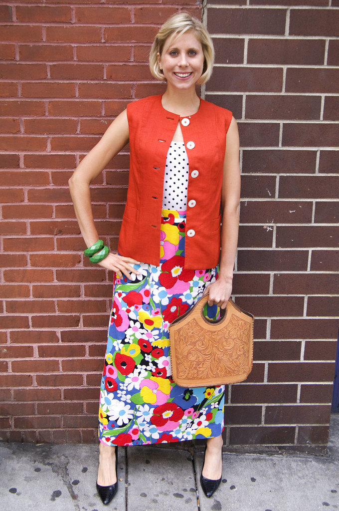 womens vintage fashion outfit 1970s