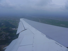 Coming in to land at NRT (Stop carbon pollution) Tags: japan  honshuu  chibaken narita
