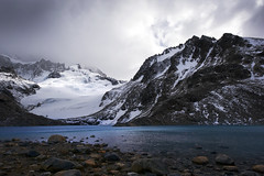 Laguna de los Tres - Patagonia - Argentina (tigrić) Tags: travel patagonia lake southamerica argentina turquoise elchalten losglaciaresnationalpark lagunadelostres fitzroyrange parquenacionallosglaciares explore93