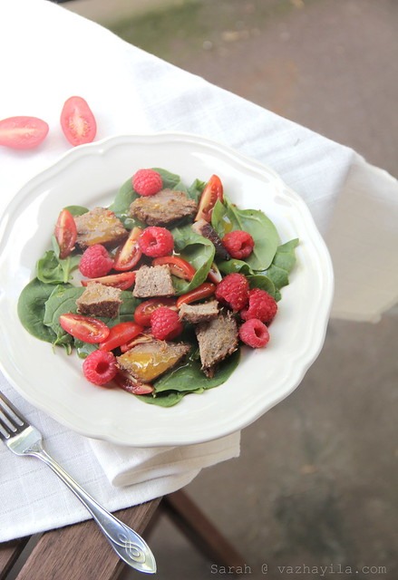 Steak Berry Salad for Dinner