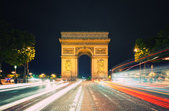 Arc de Triomphe (Philipp Klinger Photography) Tags: street longexposure blue trees light shadow red paris france reflection bus tree cars car y