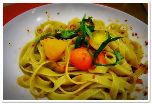 Olive Linguine in Sun-dried Tomato & Herbs Pesto