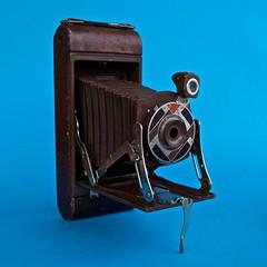 Kodak Gift Kodak 1A (original bellows) n  1 (heritagefutures) Tags: camera walter usa art 1931 photography kodak box 828 age gift cedar deco 1a 1930 teague dorwin decoratif