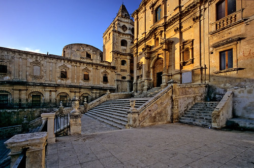Baroque church and facades, Piazza dell'Immacolata, Noto, Sicily - Copyright by Martin Liebermann