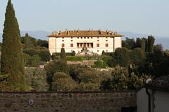 La Ferdinanda o Villa dei cento camini (Matteo Bimonte) Tags: villa toscana camini artimino cento medicea ferdinanda
