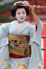Maiko Odori (Teruhide Tomori) Tags: travel girl beautiful japan dance kyoto traditional maiko   kimono        fukukimi