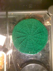Crochet motif sample swatch: post stitch spoke wheel by c_death_98
