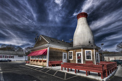 Big Milk Bottle (Frank C. Grace (Trig Photography)) Tags: giant ma restaurant pentax massachusetts historic pizza hdr k5 1930 wwh milkbottle newbedford photomatix acushnet tonemapped flickraward bestcapturesaoi trigphotography frankcgrace fratesdairy
