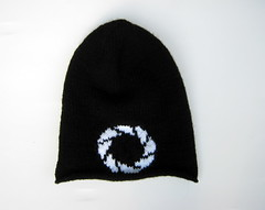 Portal hat (doctormoo) Tags: hat knit gamer videogame portal beanie tuque geekery apeturescience