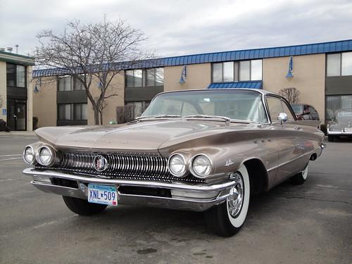 wcc cars willmar car club gm 60 buick lesabre two tone brown 1960 2door hardtop generalmotors nineteensixty nineteen sixty