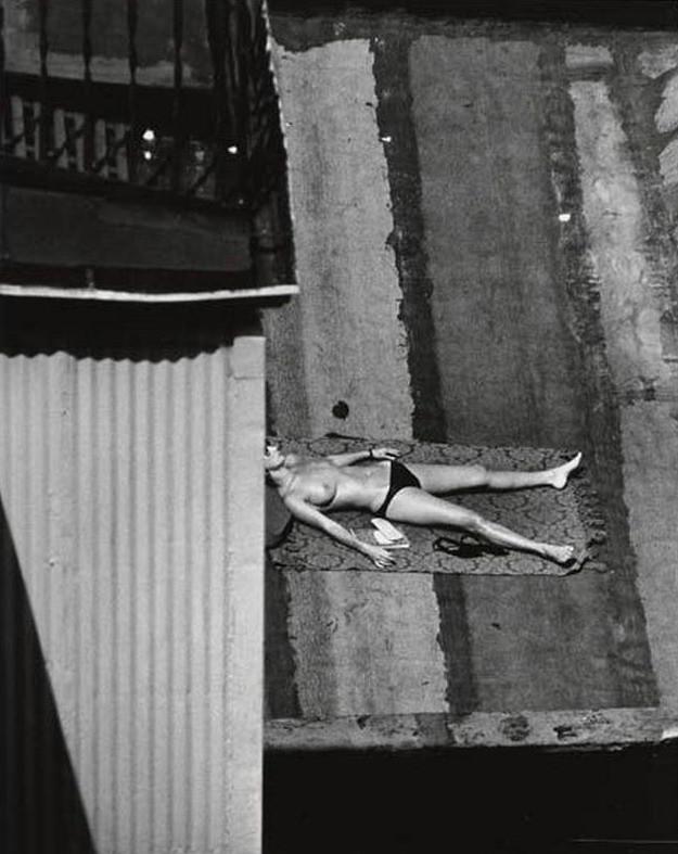 ANDReKERTeSZUntitled (topless sunbather, New York City) 1970s