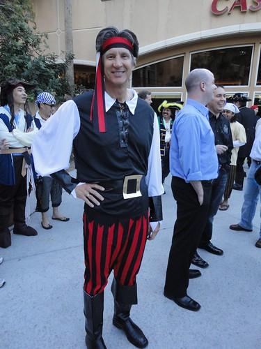 how to make a kids pirate costume