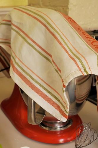 Kitchen towel flour saver