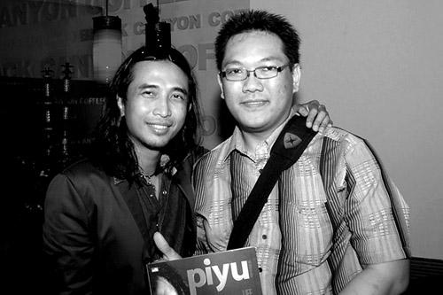 Foto Bareng Piyu PadI