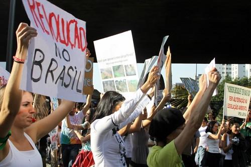 Na rua contra Belo Monte e novo Código Florestal
