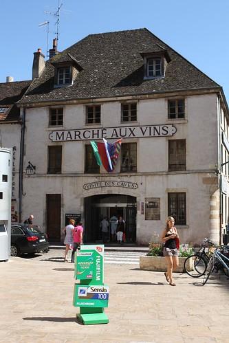 Marche Aux Vin in Beaune
