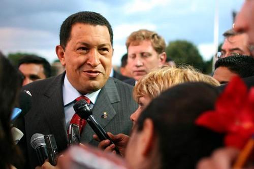 Chávez-declara-a-los-medios-durante-su-viaje.expand