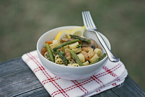 Asparagus, Shrimp and Mushroom Pasta