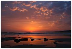 Aurora en nacimiento (IrreBerenTe Natalia Aguado) Tags: sea sky españa sun max sol nature mar amanecer nacimiento cantabria oyambre irreberent 02042011