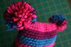 handmade52.15 pom pom hat for thea!