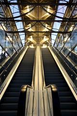 (kornichen) Tags: canon escalator hannover messe rolltreppe skywalk symmetrie 1000d