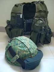 My Load Bearing Vest & Ballistic Helmet (ラスト・ソローズ) Tags: army singapore military helmet gear combat saf ppe ballistic mindef ministryofdefence lbv singaporearmedforces pixelise olivedrab groundforces personalprotectiveequipment kelvar loadbearingvest