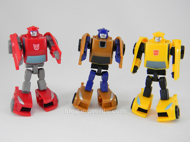 Transformers Gold Bumblebee Reveal the Shield Legends - modo robot vs Cliffjumper vs Bumblebee