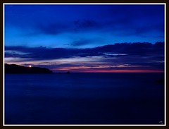 Santa comba (Ferrol) (ARV-GAS1) Tags: sunset night faro atardecer noche mar playa finepix nubes puesta anochecer s5600