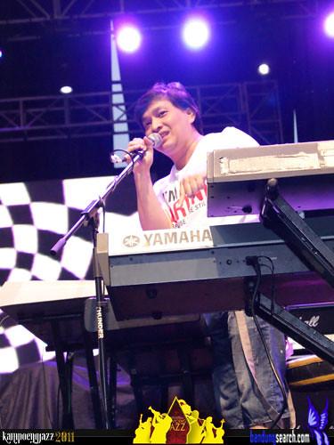 kampoeng-jazz-2011-Yovie-Widianto-Fusion(5)