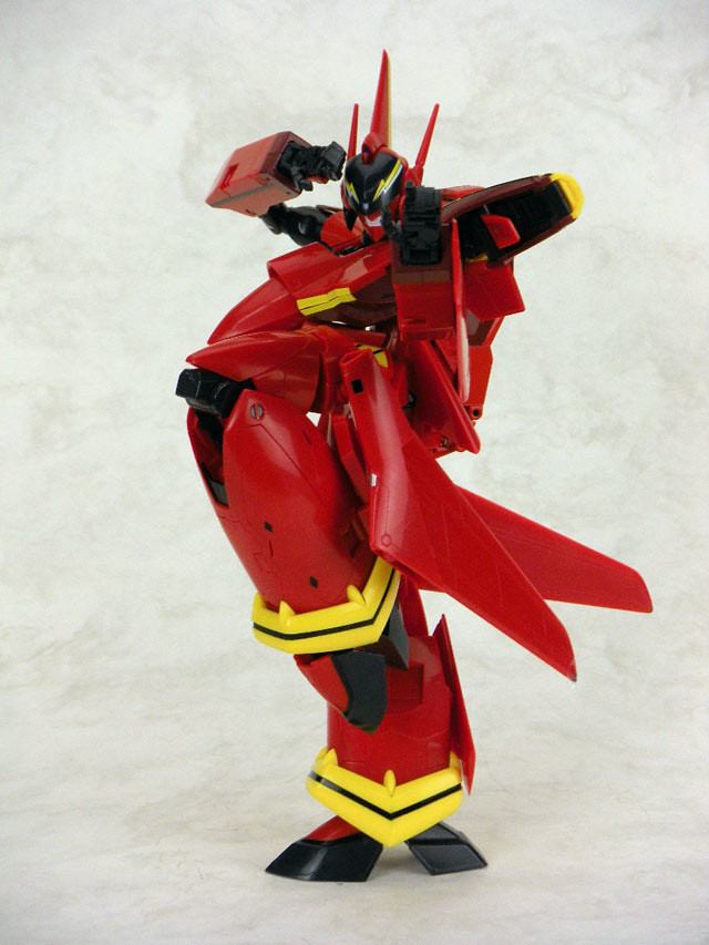 1/60 VF-19 Fire Valkyrie Yamato Toys