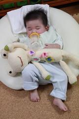 ミルク飲みながら寝落ち