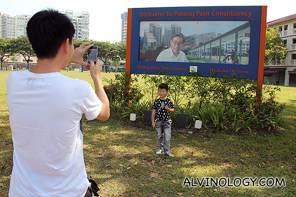 Many others came to take their pictures by the signboard too