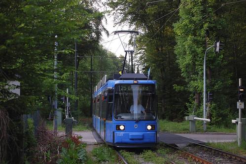 2125 kurz vor der Hst. Bavariafilmplatz