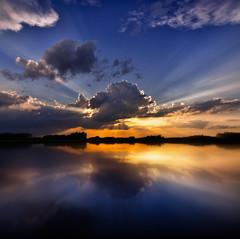 Icarus (@hipydeus) Tags: sunset reflection colors clouds bavaria zen rays worldonfire ✪