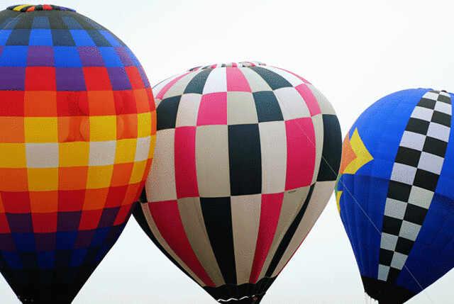 3-hot-air-balloons