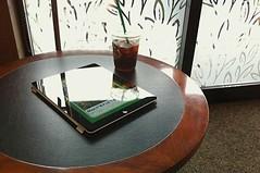 スタバと雨宿りとiPad 2