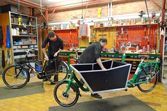 workcycles-cargobike-delivery-open 4 (@WorkCycles) Tags: green amsterdam bike bicycle box workshop delivery cargobike bakfiets werkplaats betonplex workcycles