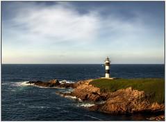 Faro de Isla Pancha (P. Medina) Tags: faro galicia nubes rocas ribadeo cantabrico islapancha marialucense pmedina