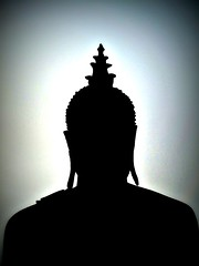 Laos - febbraio 2011 (anton.it) Tags: light silhouette laos budda nero viaggio luce canong10 antonit givemefive