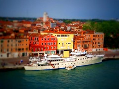 Tilt-Shift Photography of Vience (Lee Cannon) Tags: building water boats boat canal christina ships towers watertaxi onassis churchtowers vience christinayacht vienceitaly titleroofs onassisyacht aristoonassis aristotleonassisyacht