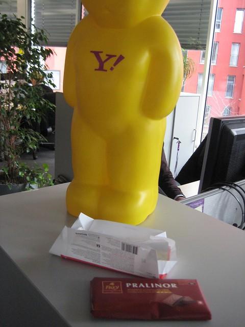 Danke, Bernd! Heute mal nicht für Kaffee, sondern lecker Schweizer Schokolade