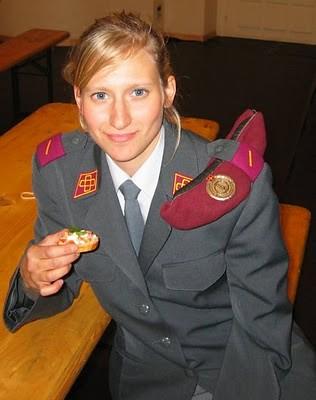Military_Women_42