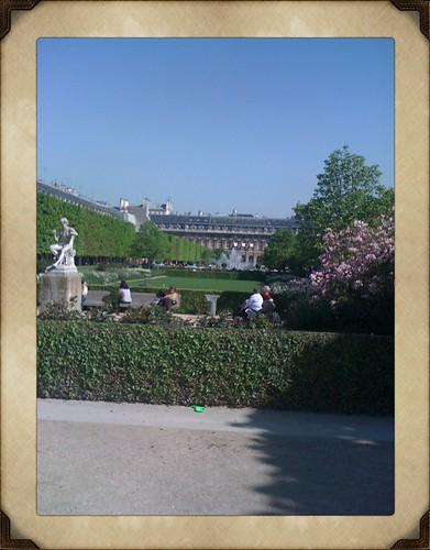 <span>parigi</span>Jardin du Palais Royale<br><br><p class='tag'>tag:<br/>luoghi | viaggio | parigi | </p>