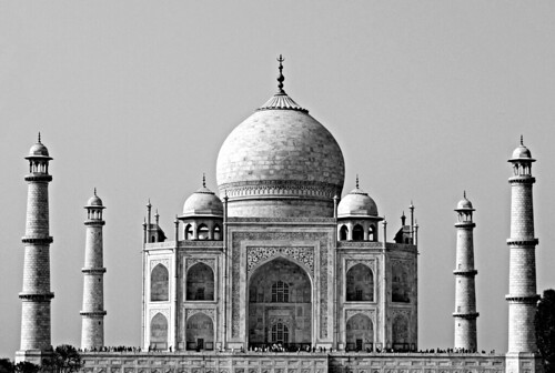 The Mighty Taj Mahal by Yatin_Gupta